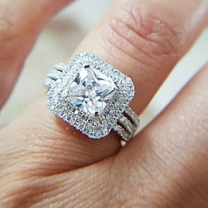 STUNNING 14k gold plated princess cut ring